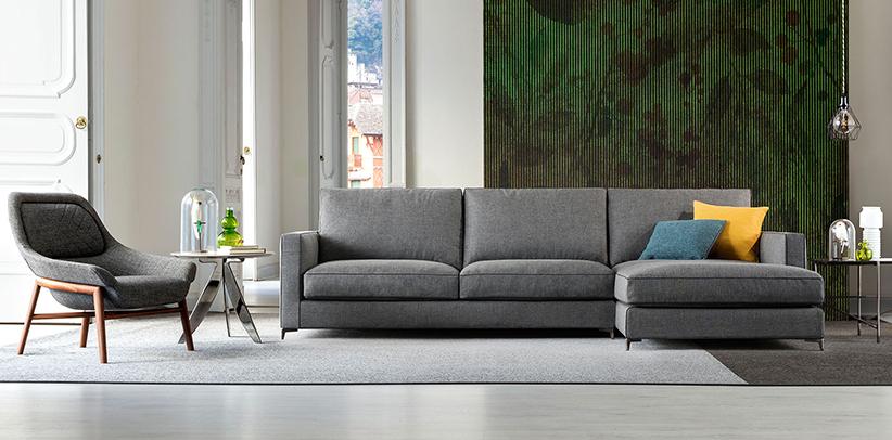 Nouveau canapé Jimmy aux petits pieds hauts en acier berto salotti Collection
