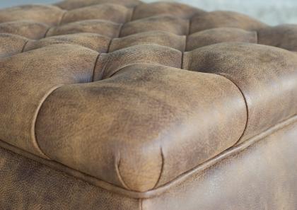 pouf chester berto salotti. Black Bedroom Furniture Sets. Home Design Ideas